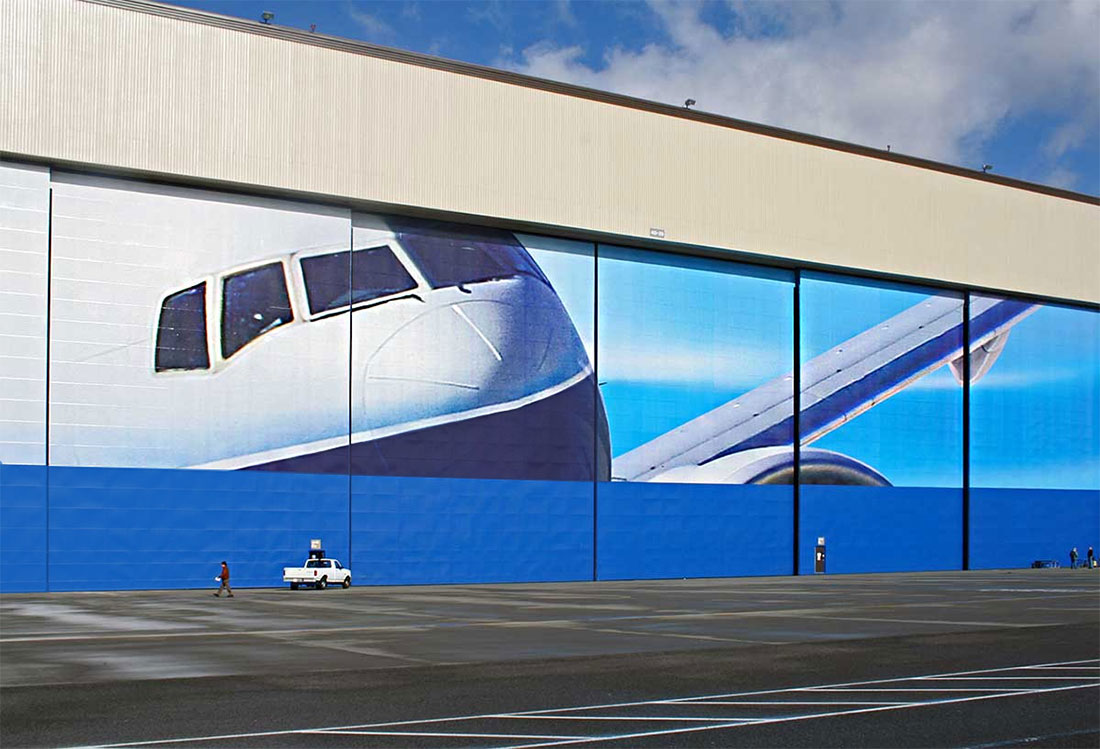 SuperGraphics Boeing Guinness World Record for largest graphics